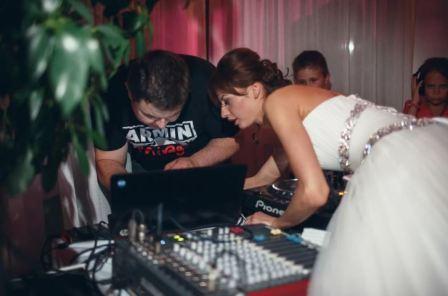 Диджей на свадьбе