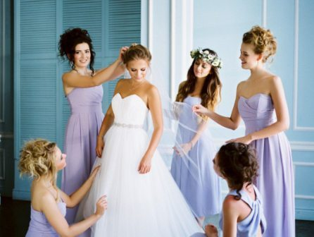 Что делает подружка невесты на свадьбе