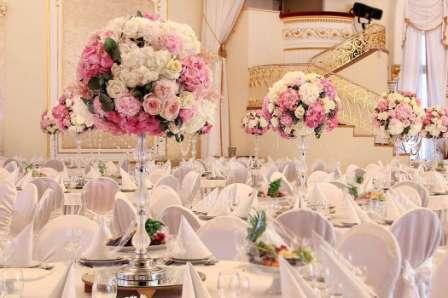 Украшение свадебного зала: варианты