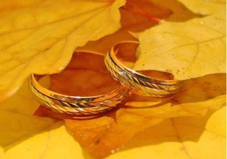 Обручальные кольца для осенней свадьбы