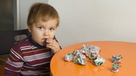 Шоколад в рационе детей