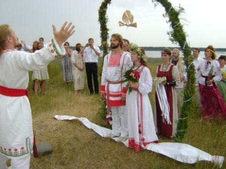 Традиции и обряды первой брачной ночи