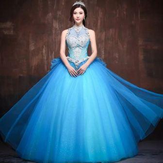 Голубое свадебное платье. фото