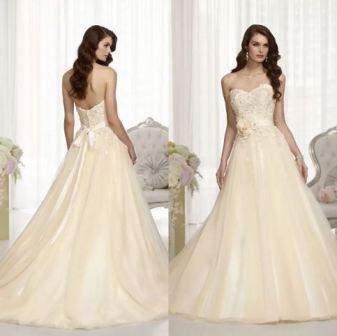 Свадебное платье цвета шампань, фото