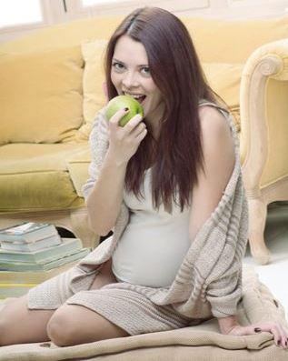 Почему при беременности портятся зубы