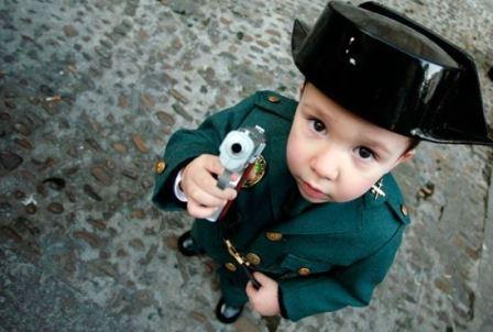 Военные игрушки: нужны ли ребенку