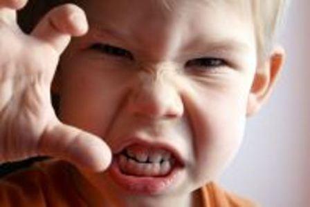 Агрессия ребенка из-за военных игрушек