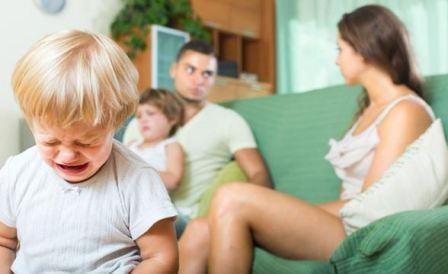 Ребенок слышит ссоры родителей