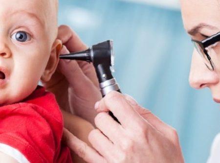 Отит у детей: симптомы и лечение