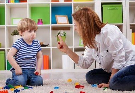 Как ребенку в год объяснить, что нельзя