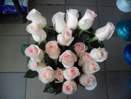 Как сохранить розы в букете в вазе