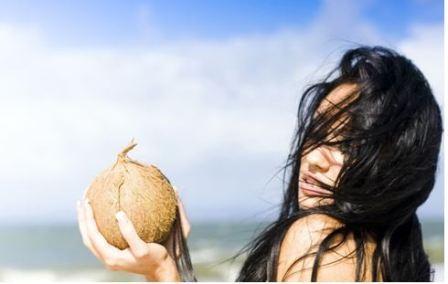Как наносить кокосовое масло на волосы