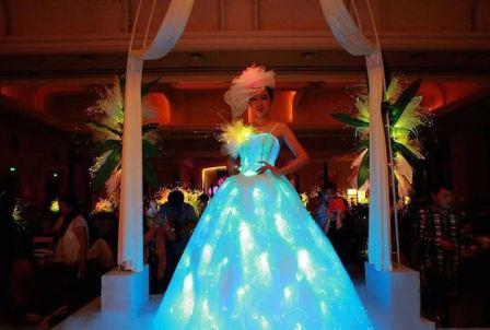 Странные свадебные платья