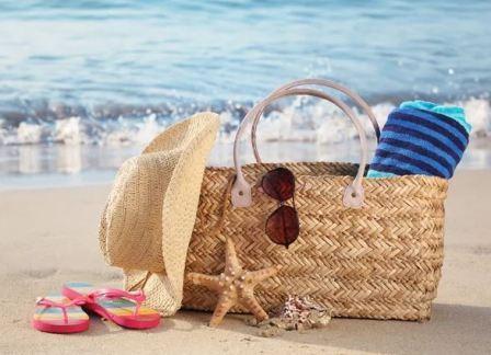 Модные пляжные аксессуары: какие бывают и что выбрать