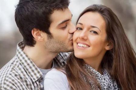 Поцелуй: приметы, заговоры, значения