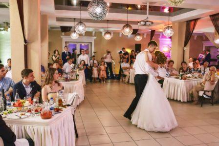 По каким критериям выбрать банкетный зал для свадьбы