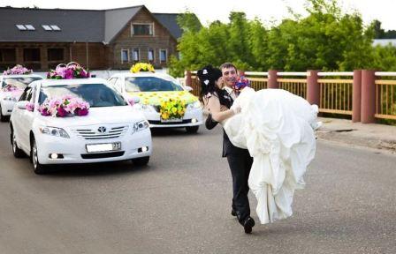 Цвета свадебных машин и украшения для них